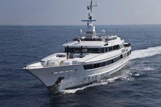 59-meter-luxury-super-motor-yacht-02